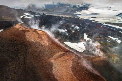 Helicopter Tour to Fimmvörðuháls in Iceland